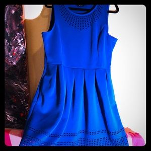 👛NEW👛EUC French blue laser cut spring dress